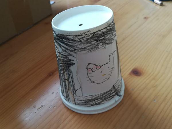 幼稚園生の次女の紙コップ工作品の写真2