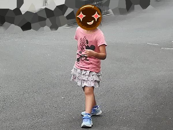 走る準備をしている次女の写真